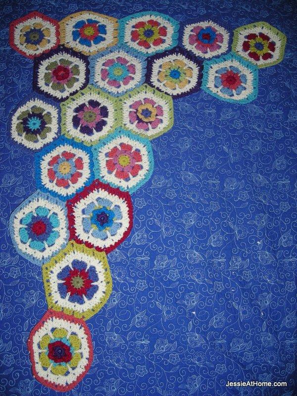 hexagon-blanket-growing
