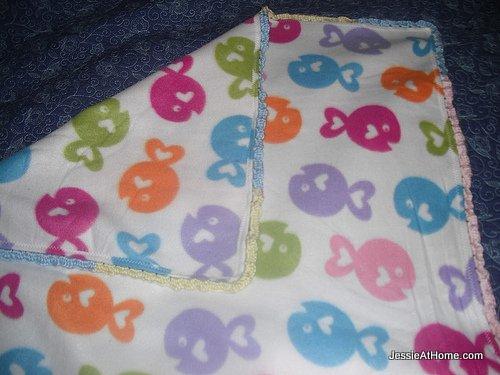 blanket-with-crochet-boarder