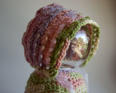 baby-in-bloom-bonnet-free-crochet-pattern-newborn