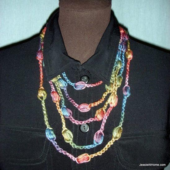 Free-Crochet-Puff-Stitch-Necklace-Medium