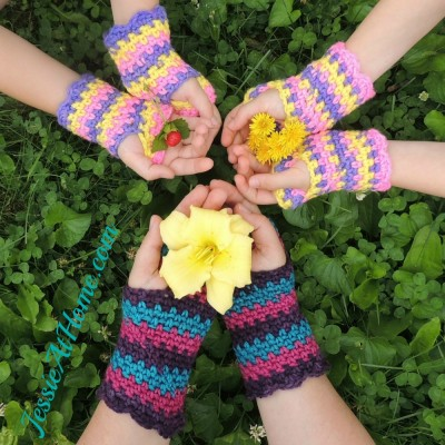 Rock-Star-Mitts-free-crochet-pattern-flowers-by-Jessie-At-Home