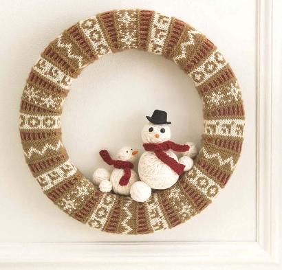 Holiday Stranded Wreath Kit #KnitKit from @beCraftsy