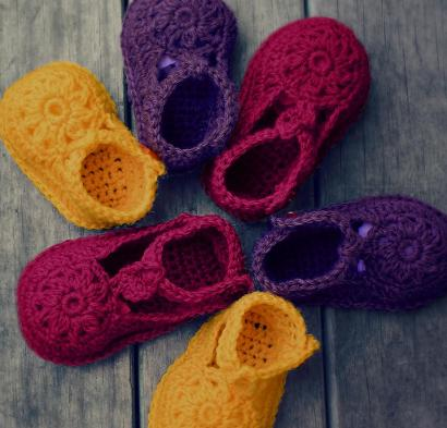 Flower Motif Shoes Kit #CrochetKit from @beCraftsy