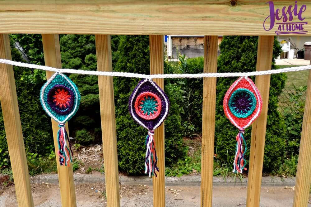Retro Ornament Bunting free crochet pattern by Jessie At Home - 2