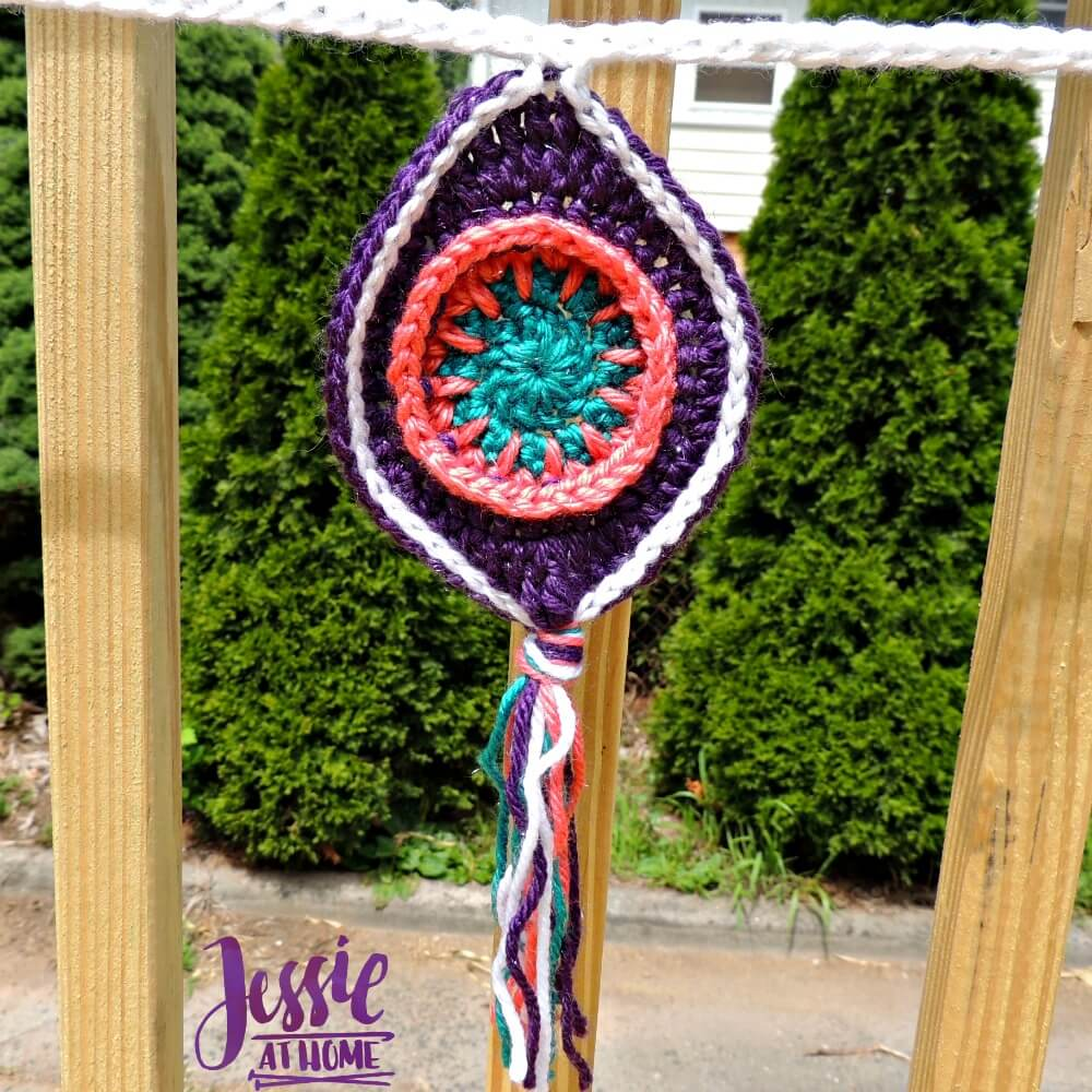 Retro Ornament Bunting free crochet pattern by Jessie At Home - 5