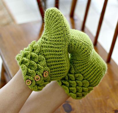 Crocodile Stitch Boots by Lianka Azulay Crochet Slippers Kit