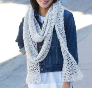 craftsy-crochet-kit-snow-puff-scarf