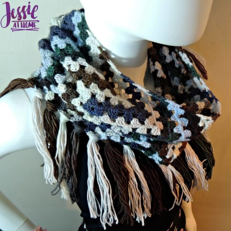 Grannys Wave Cowl free crochet pattern by Jessie At Home 2