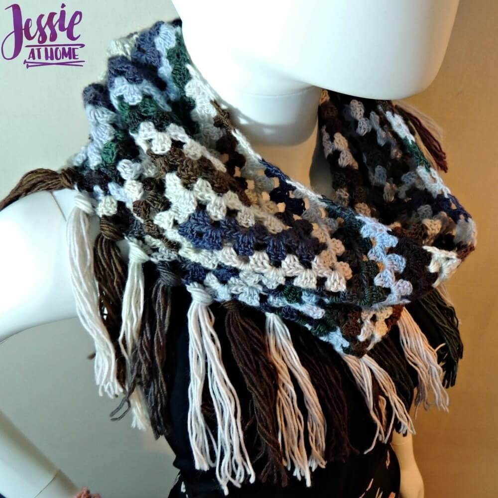 grannys-wave-cowl-free-crochet-pattern-by-jessie-at-home-2