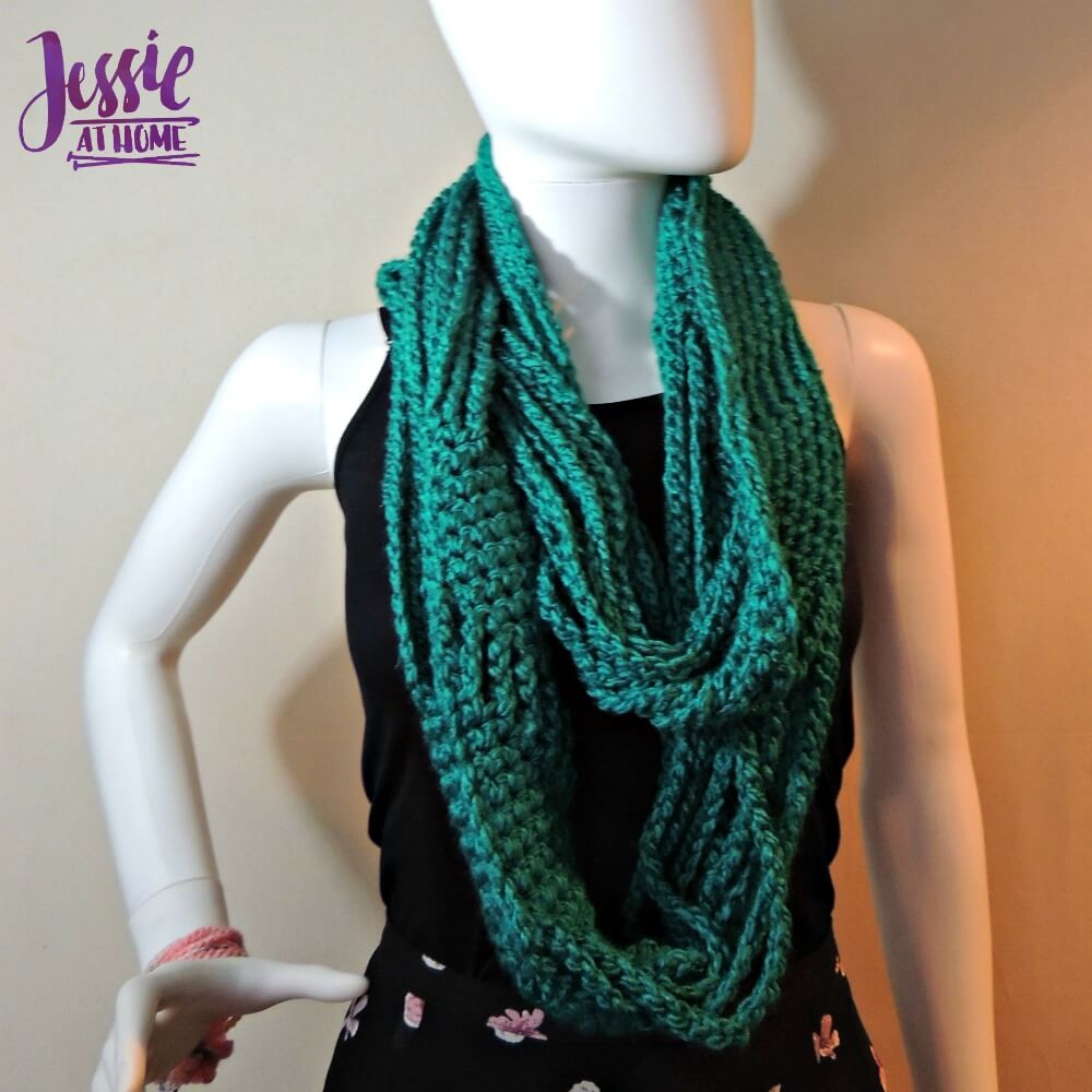 Chained to Infinity - Super Bulky by Jessie Rayot of Jessie At Home - 5