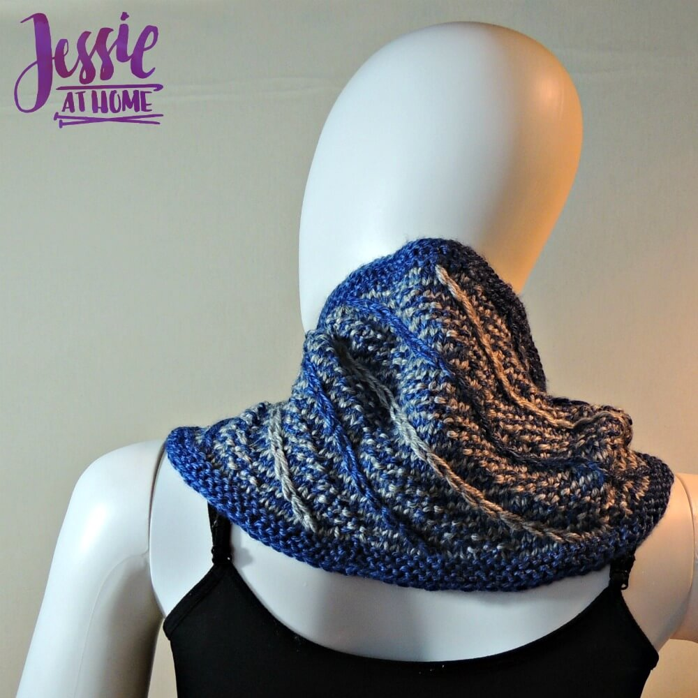 shooting-stars-cowl-free-knit-pattern-by-jessie-at-home-2