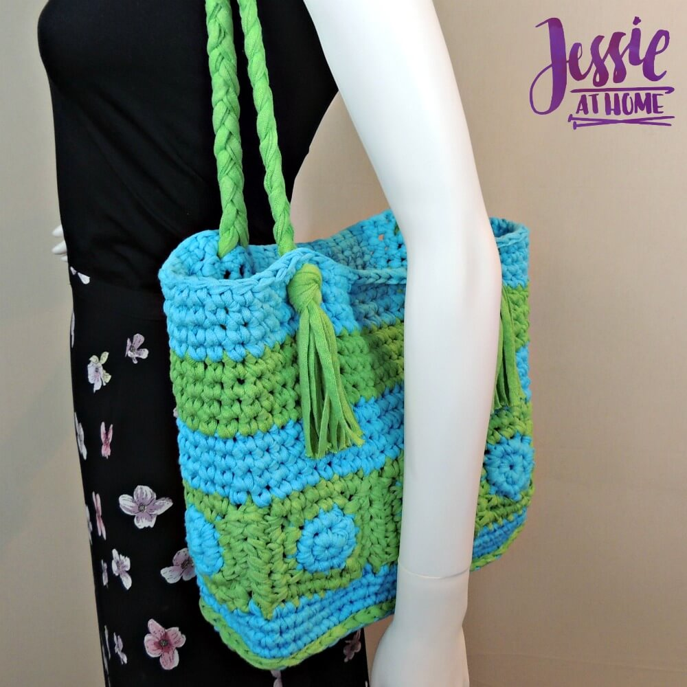 Hoooked Tote free crochet pattern by Jessie At Home - 2
