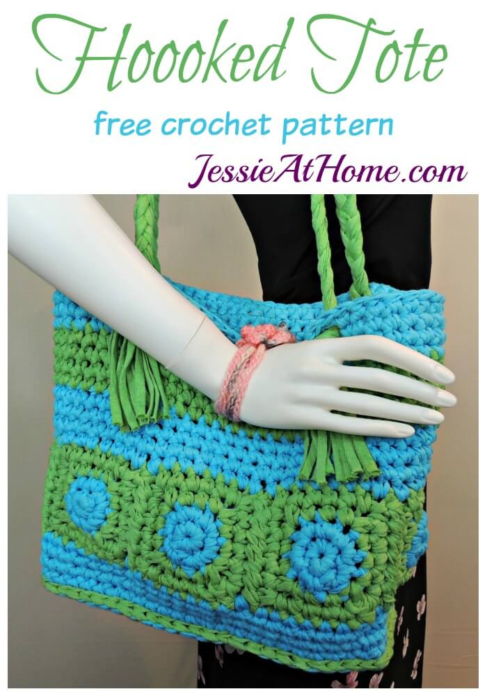 Hoooked Tote free crochet pattern by Jessie At Home