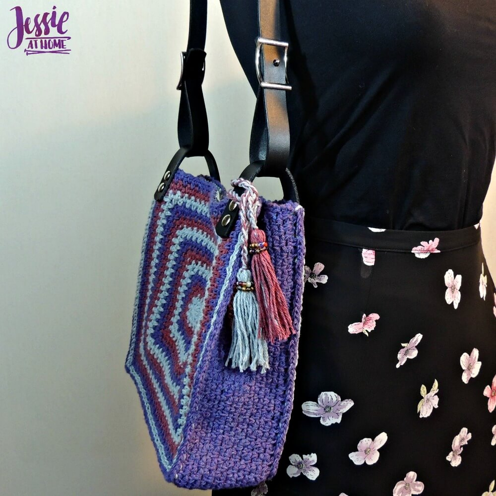 Denim Jewel Purse - free crochet pattern by Jessie At Home - 1