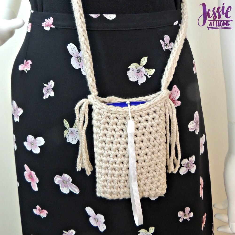 Camera Bag free crochet pattern by Jessie At Home - 1