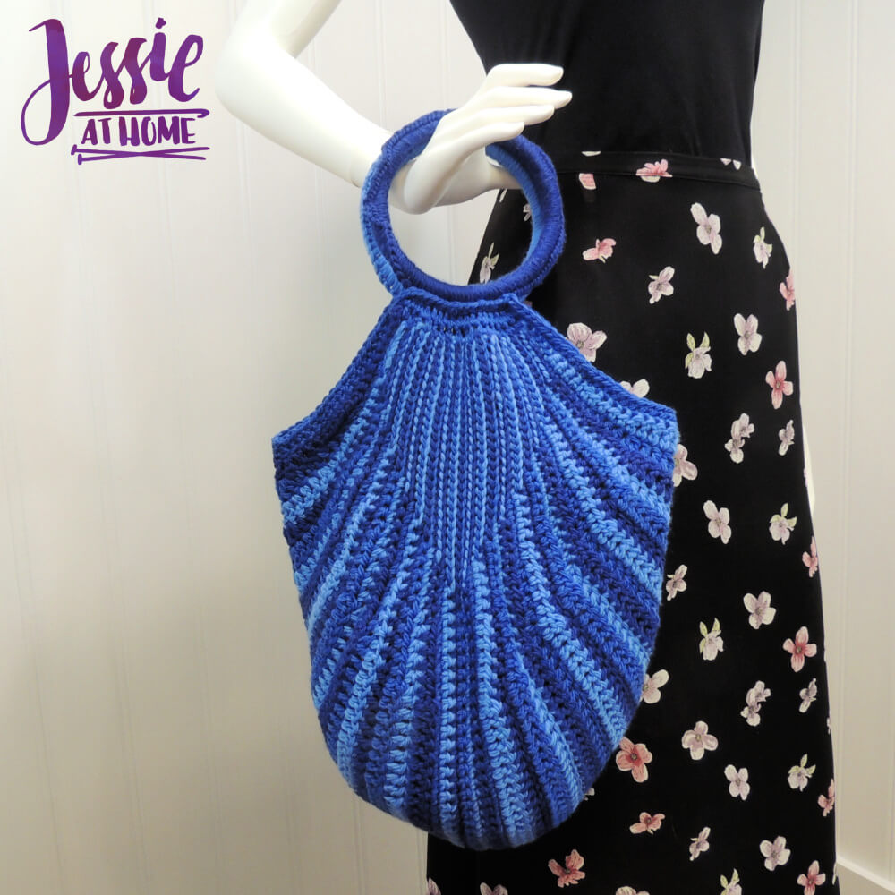 Deep Purse free crochet pattern by Jessie At Home - 1