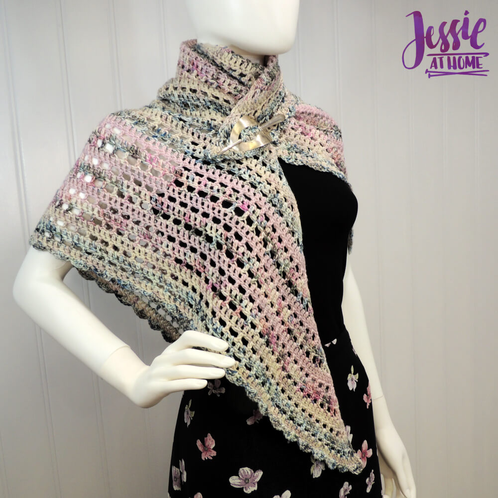 Slightly Off - free crochet pattern by Jessie At Home - 1