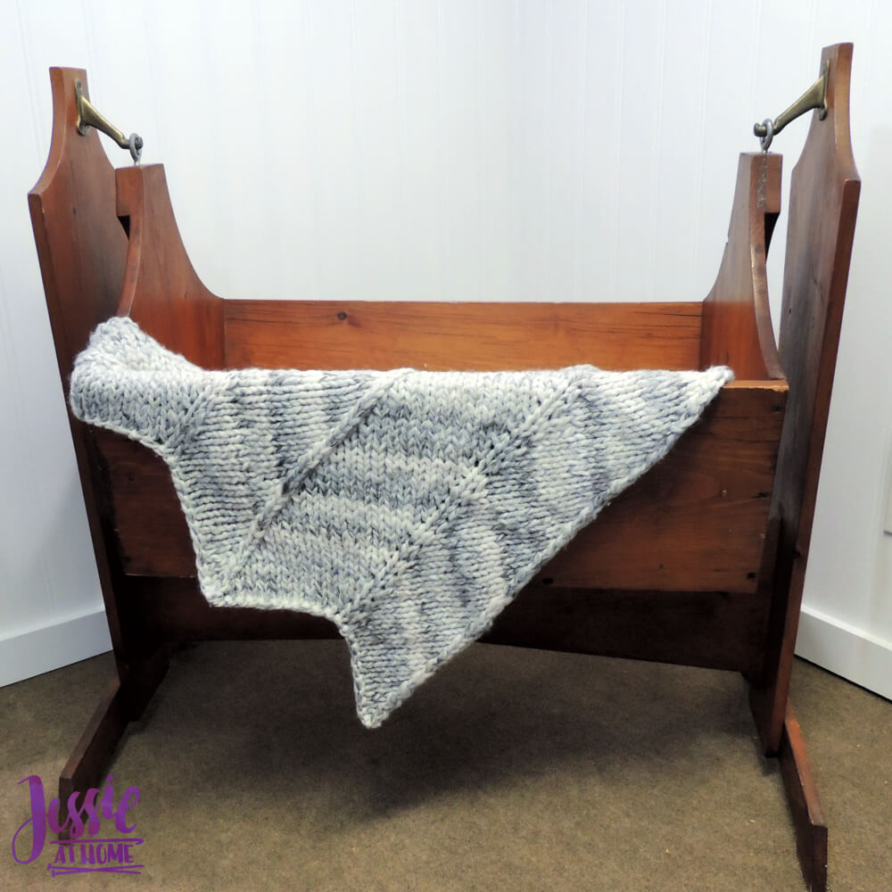 Chunky Chevron Fast Knit Baby Blanket - knit pattern by Jessie At Home - 1