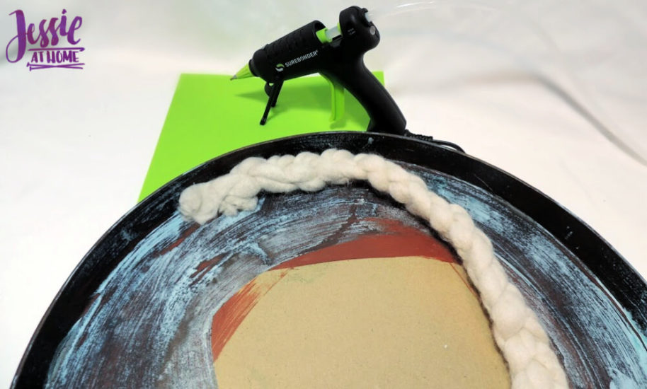 DIY Photo Background Faux Metal Tray with Yarn Lining tutorial by Jessie At Home - Glueing