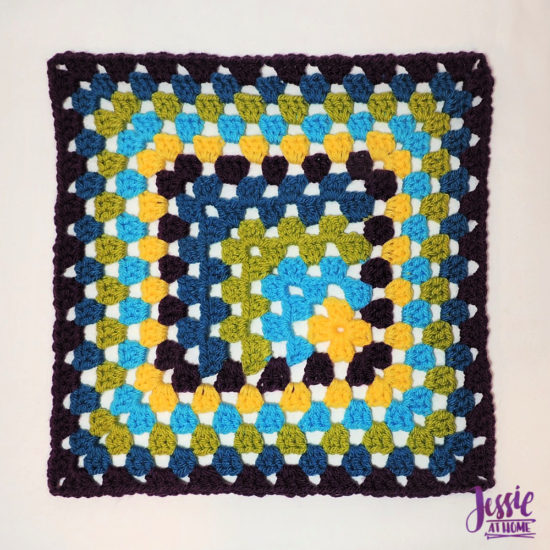 Off Set Granny Square with thin or thick border- crochet pattern by Jessie At Home - 1