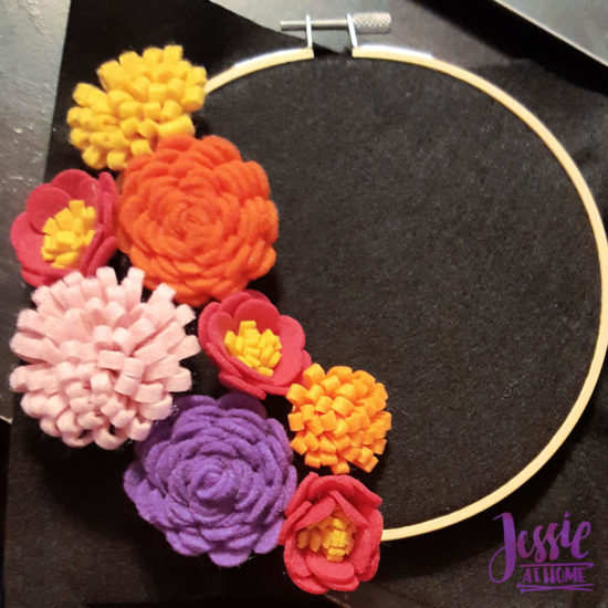 Felt Flower Wreath and other felt crafts - Jessie At Home - Planning