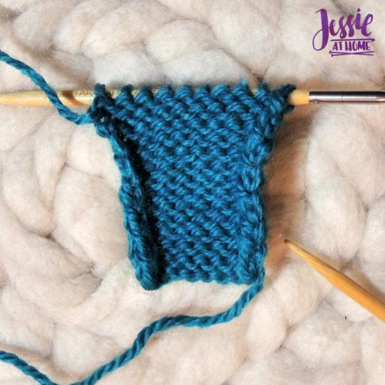 Stockinette Stitch Stitchopedia Video & Photo Tutorial by Jessie At Home - Row 1