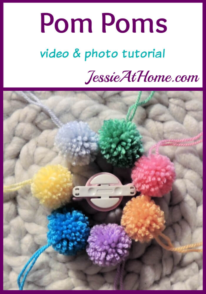 Pom Poms with Clover Pom Pom Maker – so easy and uniform