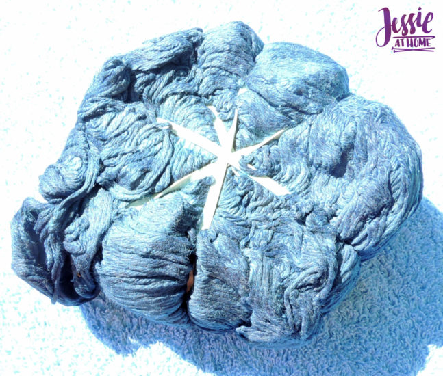 Yarn Dyeing with Indigo -Learn with Jessie At Home - Comfy Color Mist Tied up