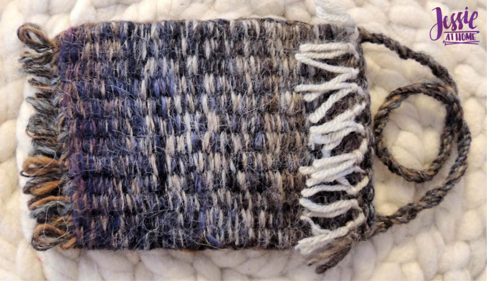 Stick Weaving Tutorial by Jessie at Home - Seam and finish