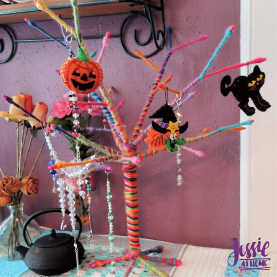 National Pumpkin Day and Fun with Felt by Jessie At Home - Halloween Tree