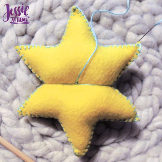 Felt Holiday Star - Felt Craft Tutorial by Jessie At Home - Start Shaping