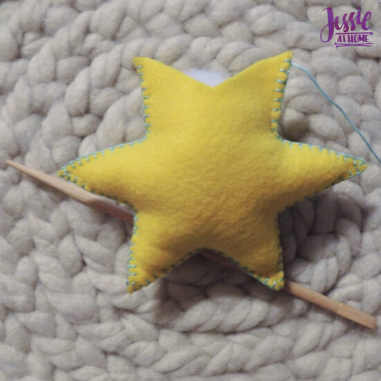 Felt Holiday Star - Felt Craft Tutorial by Jessie At Home - Stuff Well