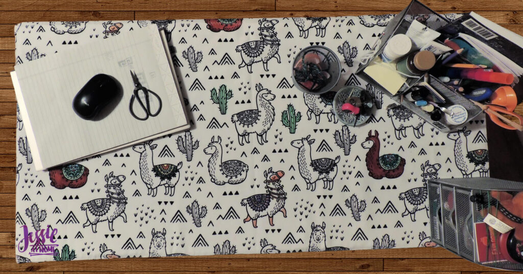Llama Table Cover Overhead